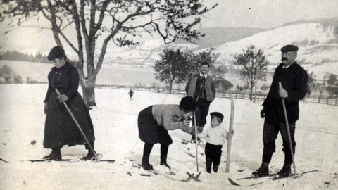 When the Bavarians learnt to ski, Bild 10